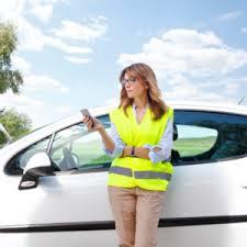 Водителей обязали надевать светоотражающие жилеты вне населенных пунктов